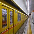 地下鉄銀座線,表参道駅,電車〈著作権フリー無料画像〉Free Stock Photos