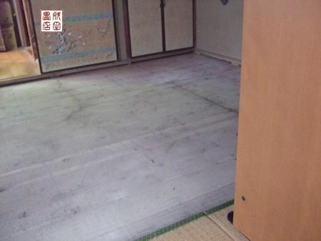 新畳の入れ替え01
