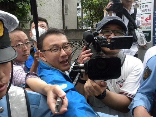 スゴミは、デモの取材の許可を取らずに勝手にデモの様子を撮影し、真実を報道せず、歪曲報道ばかりしている。韓国SBS