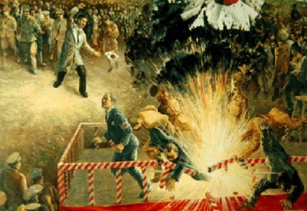 1932年4月29日天長節(天皇誕生日)の日、上海の日本人街の虹口公園で行われた祝賀式典会場に、宣教師ジョージ・アシュモア・フィッチの運転する車で入り込んだ尹奉吉は、要人群の席に向かって手榴弾を投擲。爆発で