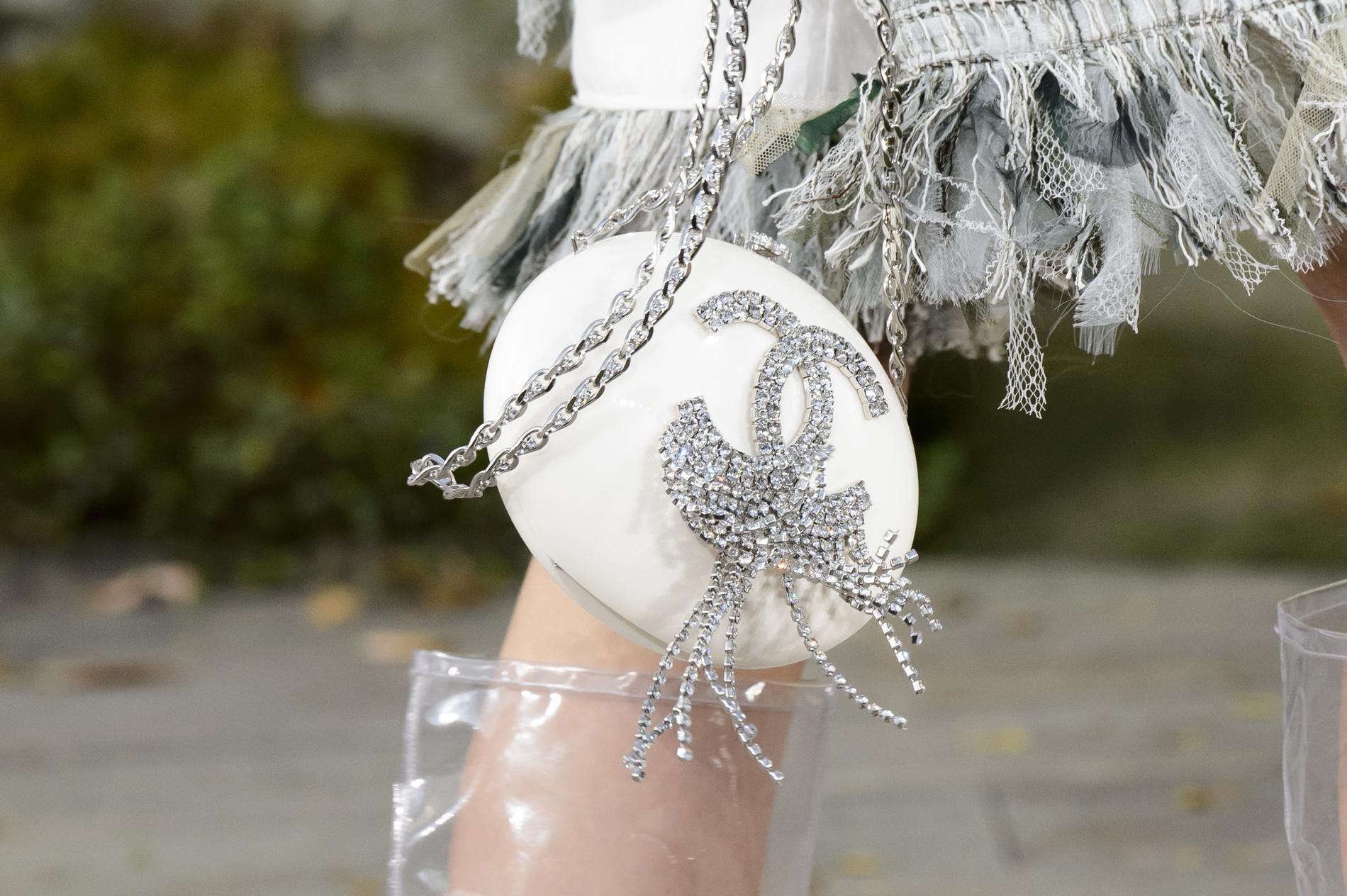 e22a27e8831e シャネル」18年春夏 ( 18年春夏パリコレクション ) | 素 材 美 Fashion ...