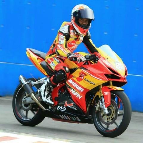 cbr250rr_race01