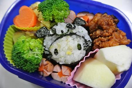 10月2日(水)「パンダキティ(かぶりものキティ)弁当」