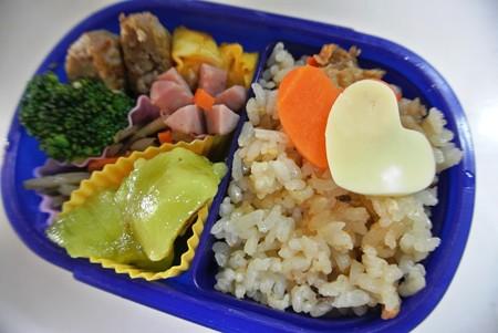 10月21日(月)「きのこご飯の詰め弁」