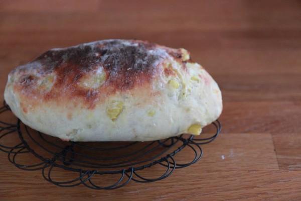 サツマイモのドデカパン