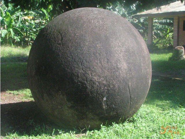 4 61 コスタリカの石球。現代技術でも難しい真球の作成!