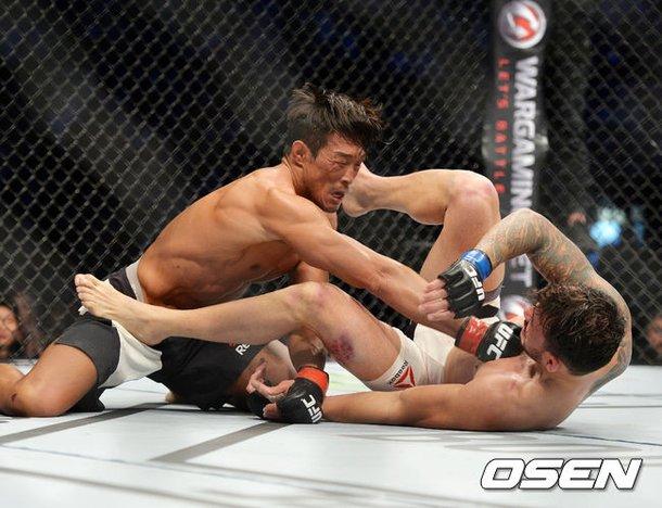 UFC】秋山、マナー違反のミナに...